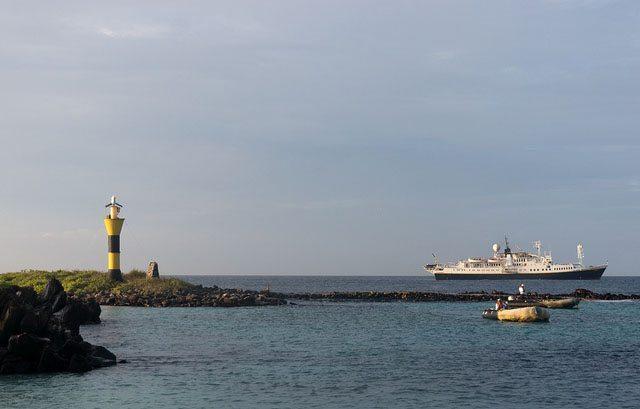 Galapagos cruises tours