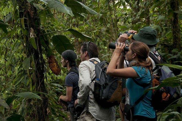 Galapagos Tipping tour guides