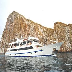 Luxury catamarans Galapagos rentals