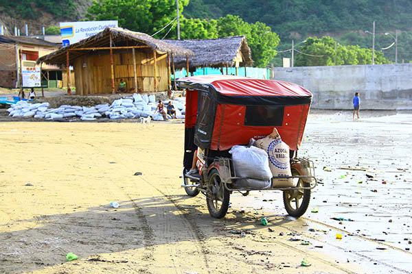 Transportation in Puerto Lopez Beach, Ecuador