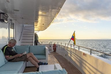 Guide to charter a galapagos cruise